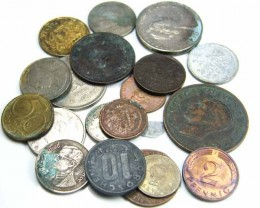 MIXED PARCEL OF WORLD COINS   JO 713